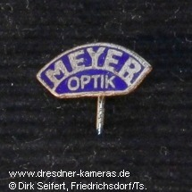 Meyer-Optik-Anstecknadel