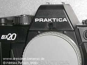 Praktica BX 20 (Produktion 1993, #3441000), Verkapselung der Schrauben