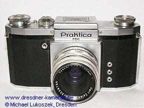 Praktica FX, Modell 1952 (hier eine frühe Version mit Gravur Praktica MX) mit Tessar 2,8/50