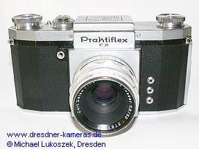 Praktica FX, Modell 1952 (hier als USA-Exportversion Praktiflex FX, 1953-1954) mit Tessar 2,8/50