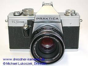 Praktica super TL 1000 (erste Version mit genoppter Belederung und chromfarbenen Bedienelementen) mit Pancolar 1,8/50