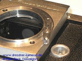 Praktica #010XXX, Umbau auf Exakta-Bajonett und Nachrüstung einer Blitzsynchronisation